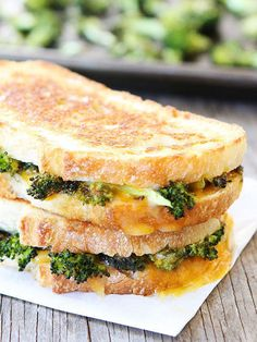 Grilled cheese with roasted broccoli-the best way to eat broccoli! This easy sandwich is great for lunch or dinner! Healthy Sandwiches, Sandwich Recipes, Deli Sandwiches, Healthy Panini, Dinner Sandwiches, Grill Sandwich, Vegetarian Sandwiches, Breakfast Sandwiches, Vegetarian Recipes