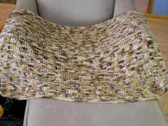 Finally, I finished this blanket that I started a few weeks back. Not a minute too soon......the weather is getting very hot and I was read...