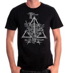 Tshirt Harry Potter - The Brothers Col rond Manches courtes Sérigraphie recto coton Tailles Européennes Officiel tshirt Harry Potter World, Tshirt Harry Potter, Harry Potter Facts, Harry Potter Fandom, T Shirt Geek, The Hallow, T Shirt Noir, The Brethren, Hogwarts