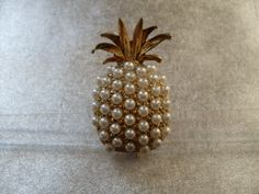 Google Image Result for http://www.moniquesvintagejewelry.com/files/2155335/uploaded/BH122.JPG