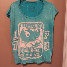 Free People top Perfect for the summer. The color is so pretty on!!! Free People Tops Tees - Short Sleeve