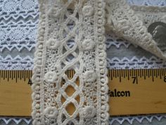 "Beige 1 1//8/"" Floral Picot Lace 30 Yards soft"