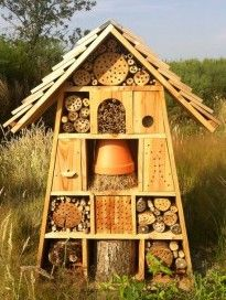 1000 ideas about bug hotel on pinterest insect hotel. Black Bedroom Furniture Sets. Home Design Ideas