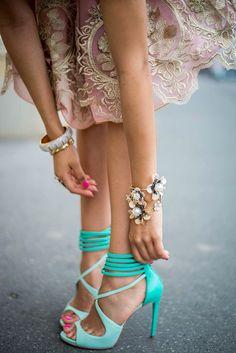 Turqoise heels, rosé dress = summer love! #turqoise #heels #summer