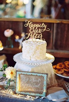 One-Tier Wedding Cakes For Your Vow Renewal Celebration. #cakes #vowrenewal #onetier