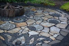 Amazing DIY Slate Patio Design And Ideas decorados Amazing DIY Slate Patio Design And Ideas - Onechitecture Outdoor Fire, Outdoor Living, Outdoor Decor, Mosaic Tile Fireplace, Stone Patio Designs, Slate Patio, Slate Pavers, Gazebo, Flagstone Path