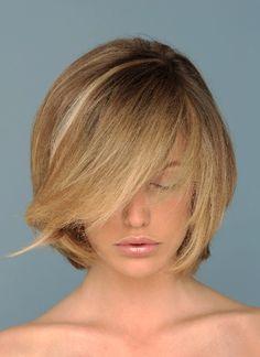hair cut and single high light. Long Bob Hairstyles, Pretty Hairstyles, Short Hair Cuts, Short Hair Styles, Cabello Hair, Stylish Hair, Crazy Hair, Great Hair, Hair Today