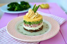 Cook & Look: Warstwowa sałatka z jajkiem Panna Cotta, Cheesecake, Broccoli, Breakfast, Ethnic Recipes, Food, Mushroom, Salads, Egg As Food