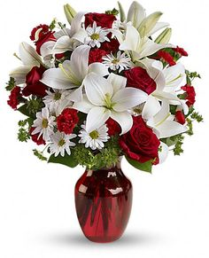 Flowers are loved by both men and women for their beauty, purity and freshness.