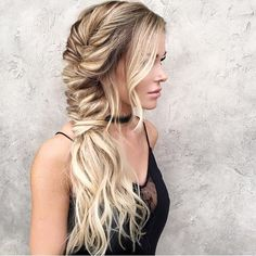 Gorgeous! ✨ @hairby_chrissy your hands are pure MAGIC! Beautiful inspirations all day, everyday! #braidgoals #beyondtheponytail