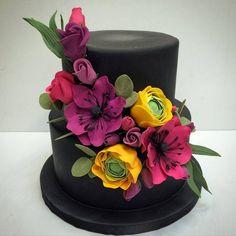 Avant-Garde Hollywood Glam Modern Black Green Pink Purple Yellow Flowers Fondant Round Wedding Cake Wedding Cakes Photos & Pictures - WeddingWire.com