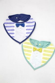 2x Pop Over Head Baby Bibs blue Pink White Cotton Large Feeding Bib