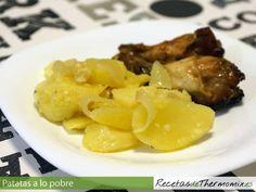 La tradicional receta de patatas a lo pobre preparada con la Thermomix, esta es la receta básica, pero recordar que podemos añadir otras verduras además de la cebolla.