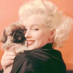Marilyn & a Pekingese OMG how adorable, it looks like Maci!!