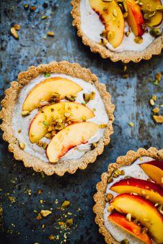 nectarine pistachio coconut yogurt tarts | vegan & gluten-free Yogurt Recipes, Fruit Recipes, Sweet Recipes, Kids Yogurt, Siggis Yogurt, Plain Yogurt, Coconut Yogurt, Yogurt Parfait, Vanilla Yogurt