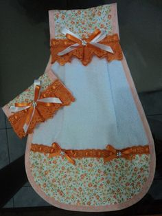 Towel Apron, Towel Dress, Dish Towels, Hand Towels, Quilting Projects, Sewing Projects, Towel Crafts, Cute Aprons, Hanging Towels