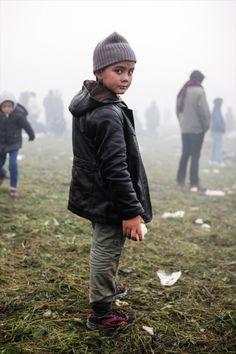 Refugee stream into your town | Ciril Jazbec (083)