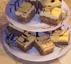 Biele orechové rezy (fotorecept) - recept   Varecha.sk Food, Basket, Essen, Meals, Yemek, Eten