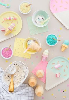 Ice Cream and cones Craft Party, Birthday Party Decorations, Birthday Parties, Ice Cream Social, Food Wallpaper, Ice Cream Party, Party Plates, Cute Food, Happy Day