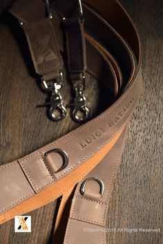 XbeltPro arnés de piel para fotografos. Grabación logo personalizado. XbeltPro personalized leather harness and straps or photographers.