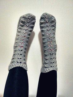 Piirakkasukat, lankana Novita Tuomas. Socks, Knit Crochet, Knitting, Cute, Fashion, Moda, Tricot, Fashion Styles, Breien