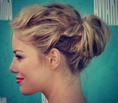 Casual Updo for Medium Length Hair Everyday Hairstyles, Up Hairstyles, Pretty Hairstyles, Wedding Hairstyles, Party Hairstyle, Layered Hairstyles, Updos For Medium Length Hair, Medium Hair Styles, Long Hair Styles