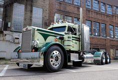 Peterbilt 379, Peterbilt Trucks, Dump Trucks, Big Trucks, Harley Davidson V Rod, Show Trucks, Tractors, Buses, Vehicles