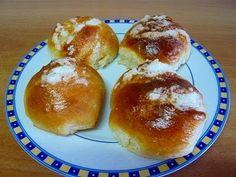 Recipe of sweet bread rolls / buns Swiss Pan Dulce, Tapas, Bread Rolls, Sweet Bread, Cupcakes, Muffin, Pudding, Homemade, Breakfast