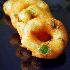 Medhu vadai - Urad dal vada...my fav....not as good as mum's but satisfying