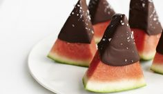 This Chocolate Summer Dessert Is Only 77 Calories, Chocolate Dipped Watermelon.  YUM!