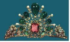 A Tiara in the Iranian Crown Jewels