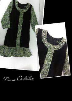 Vestido negro en crep con volante y mangas tweed flúor