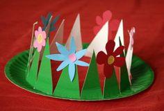 Wiosenny kapelusz z tekturowego talerza.