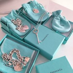 Tiffany Bracelets, Tiffany Jewelry, Mosaic Glass, Stained Glass, Blue Box, Tiffany Blue, How To Look Better, Girly, Bling