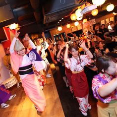 Shinjuku Awa-Odori restaurant is the place to experience Japanese culture to the full! Savor delicacies and sake from Tokushima, and join the Awa-Odori dance with our pro performers!  We will close after September, so visit now while you still can!