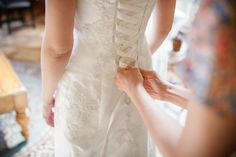 http://www.sterlingcleaner.com/wear-prepare-wedding-dress-fitting/