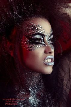 20 Cool Halloween Eye Makeup Ideas | Glitter makeup, Makeup and Eye