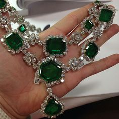 @josephsaidianandsonsjewelry. Not mine but too good not to post. A killer #HarryWinston #emerald necklace sold in a sale a few months ago.