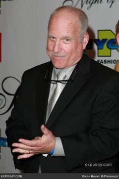 Richard Dreyfuss...just love him..and oh..his laugh just makes me smile