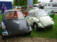 A Heinkel and a Trojan..i can see myself cruising down the boulevard