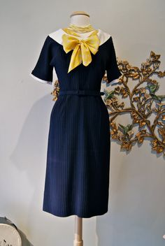 Love the pop of yellow! \\ 50s Dress / Vintage 1950s Navy Blue Dress with by xtabayvintage, $198.00
