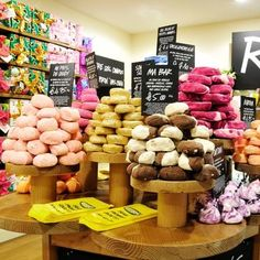 Lush! the greatest bath store in the world - www.lush.com My favorites are the Seanik shampoo bar, The bubblegum lip scrub, the cupcake face mask, lovely jubblies lotion, ocean salt body scrub, BIG shampoo, tea tree tonic...pretty much everything is amazing! Oh and the lotion that makes you look tan!! ( I can't think of the name right now!)