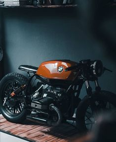 Cafe Racer Tank, Bmw R45 Cafe Racer, Cafe Racer Motorcycle, Motorcycle Style, Motorcycle Design, Motorcycle Quotes, Triumph Motorcycles, Cool Motorcycles, Scrambler Custom