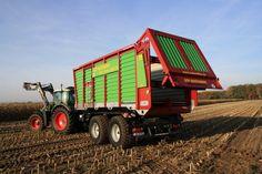 Wernsmann Industrieservice hat zusammen mit Strautmann den GT4002 entwickelt, einen Häckseltransportaufbau für alle gängigen Hakenliftsysteme auf Basis des bekannten Giga Trailers.