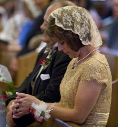 Catholics, wear your mantilla!<<<<<wish my family would do this. Siblings dont even dress up! Going to have veils and mantillas when i have a family of my own :)