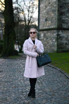 #women #crush Cheap Web Hosting, Coat, Women, Sewing Coat, Peacoats, Coats, Jacket, Woman