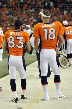 Peyton Manning and Wes Welker talked about plan to beat Brady! LoL!