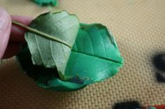 Leaves ( Candy Melts) Cake Decorating Tutorials, Decorating Ideas, Rose Leaves, Rose Cake, Candy Melts, Easter Treats, Gum Paste, Kentucky Derby, Cake Pops