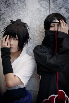Uchiha brothers... Itachi and Sasuke Cosplay