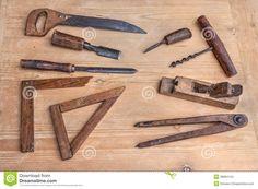Attrezzi per bricolage d'annata di una carpenteria antica - l ...